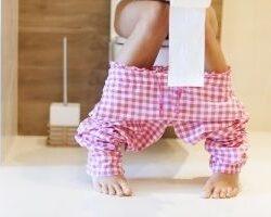 photo-fino-woman-on-toilet-test