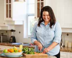 photo-fino-woman-with-pcos-making-food-test
