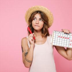 photo-fino-woman-tracking-irregular-periods-test